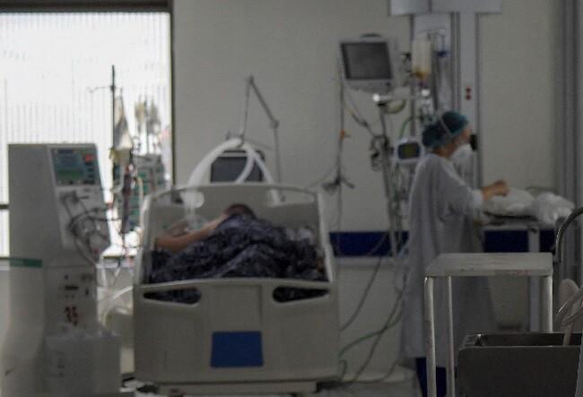 pacientes covid 19 en uci.jpg