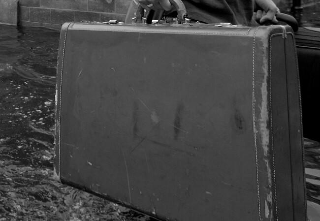 maleta-agua_afp.jpg
