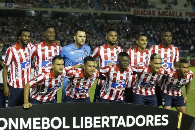 333079_Equipo de Junior de Barranquilla antes de jugar contra Flamengo por Libertadores.