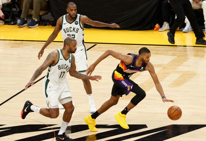 Los Suns vencieron 118-108 a los Bucks en el segundo juego de la final de la NBA.
