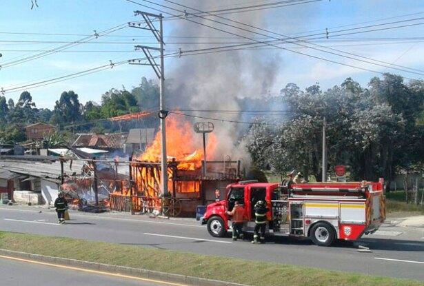 090816_incendio_guarne.jpg