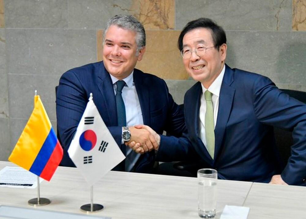 370428_Iván Duque y el alcalde de Seúl, Park Won-soon // Foto: Presidencia de la República