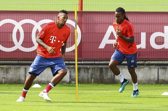 319250_jerome_boateng_renato_sanches_210819_afpe.jpg