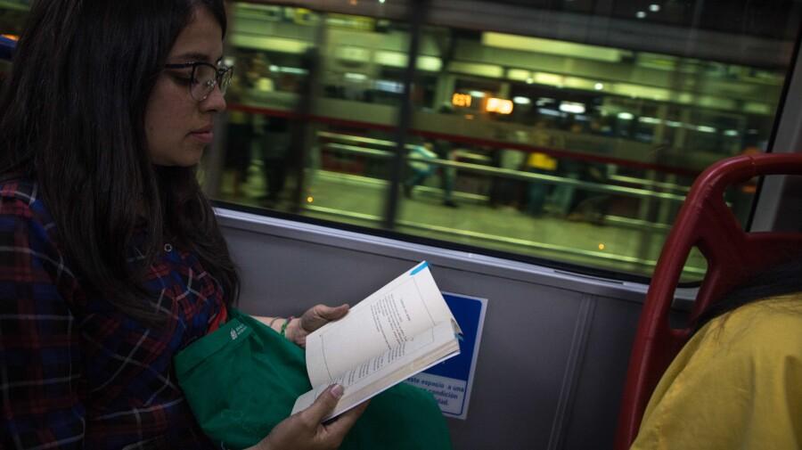 Lectura en TransMilenio