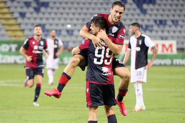 Cagliari celebra contra Juventus