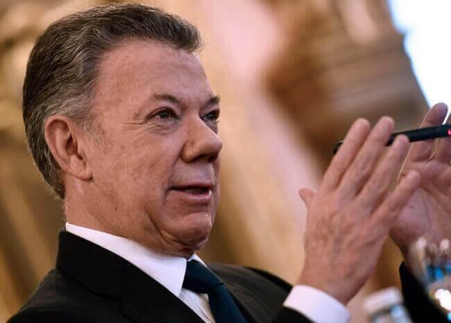 Juan Manuel Santos / AFP