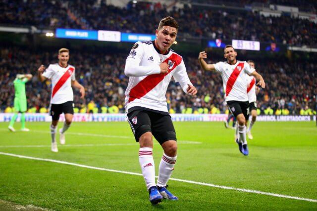 333642_Juan Fernando Quintero en la celebración de su gol frente a Boca Juniors, en Madrid.