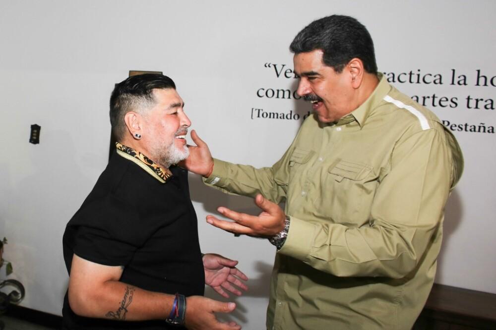 Diego Maradona y Nicolás Maduro. Foto AFP