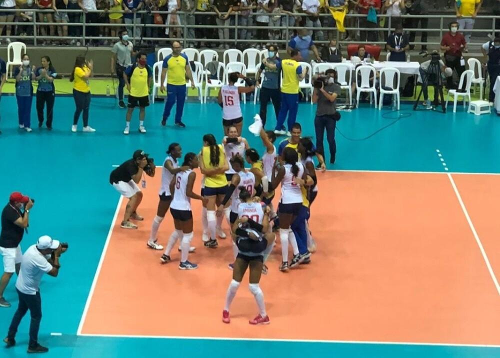Selección Colombia de voleibol femenino venció a Argentina Foto MinDeporteCol.jpg