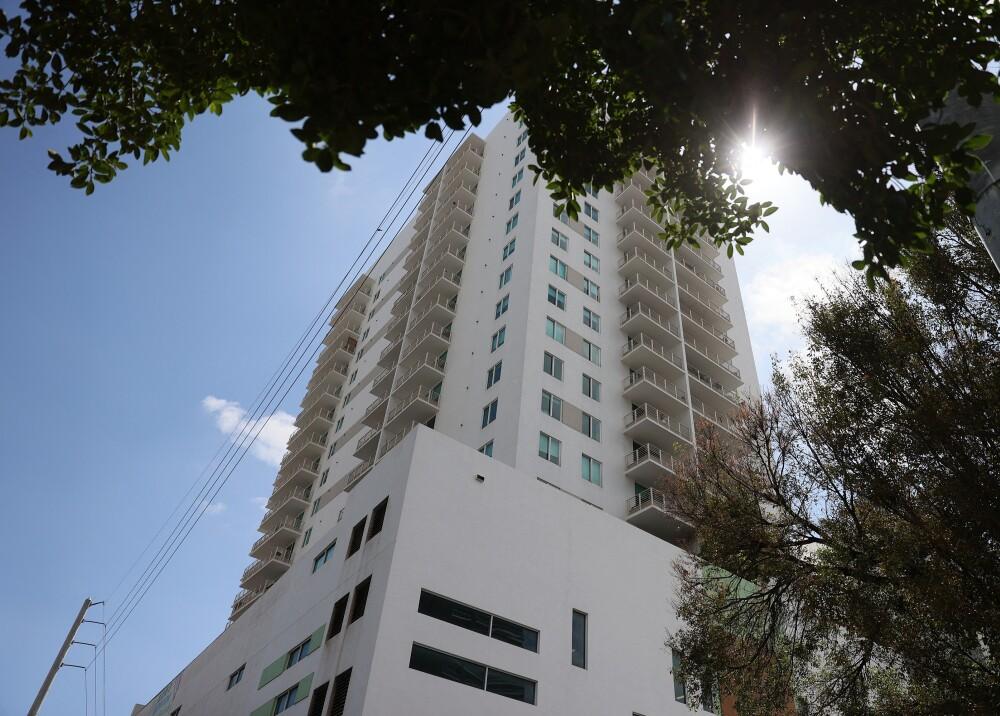 Edificio apartamentos en Miami referencia AFP.