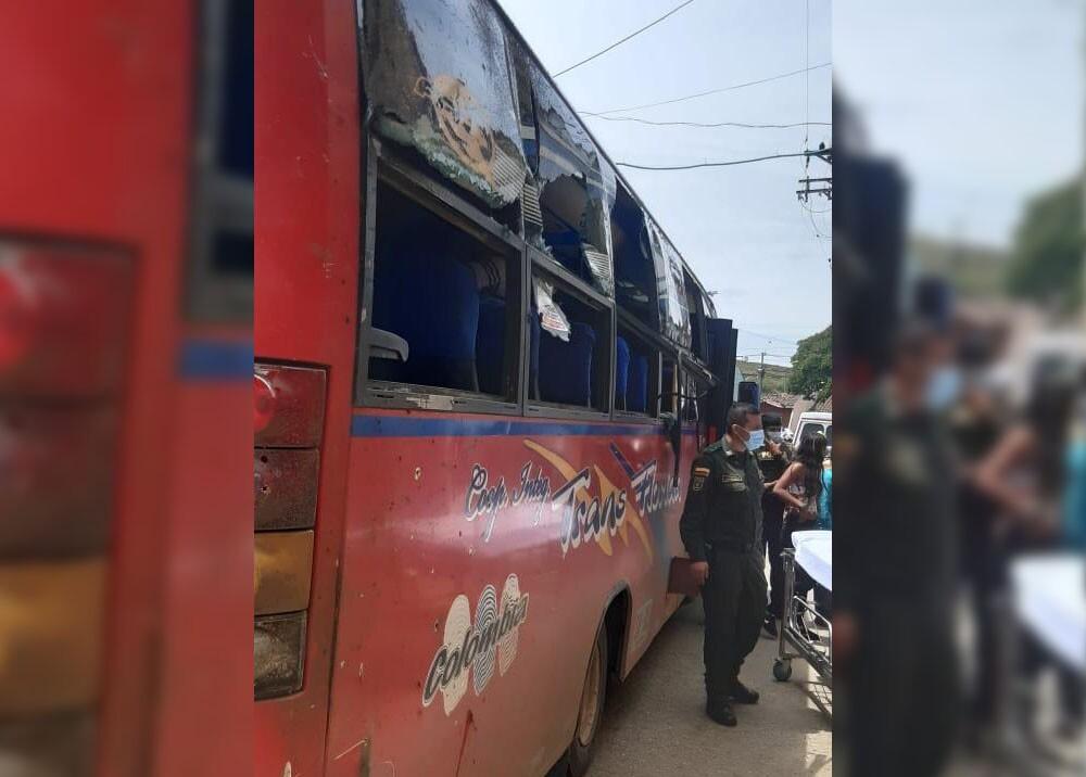 explosion de granada en el cauca contra un bus.jpg