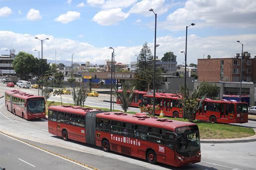 25415_TransMilenio - AFP