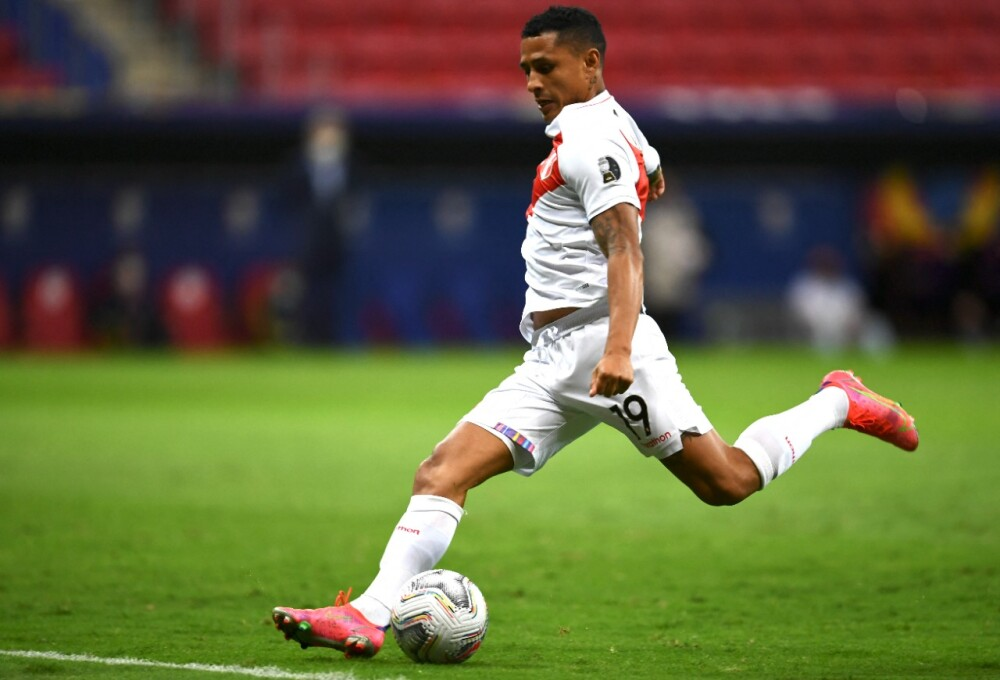 Yoshimar Yotún, jugador Perú AFP.jpeg