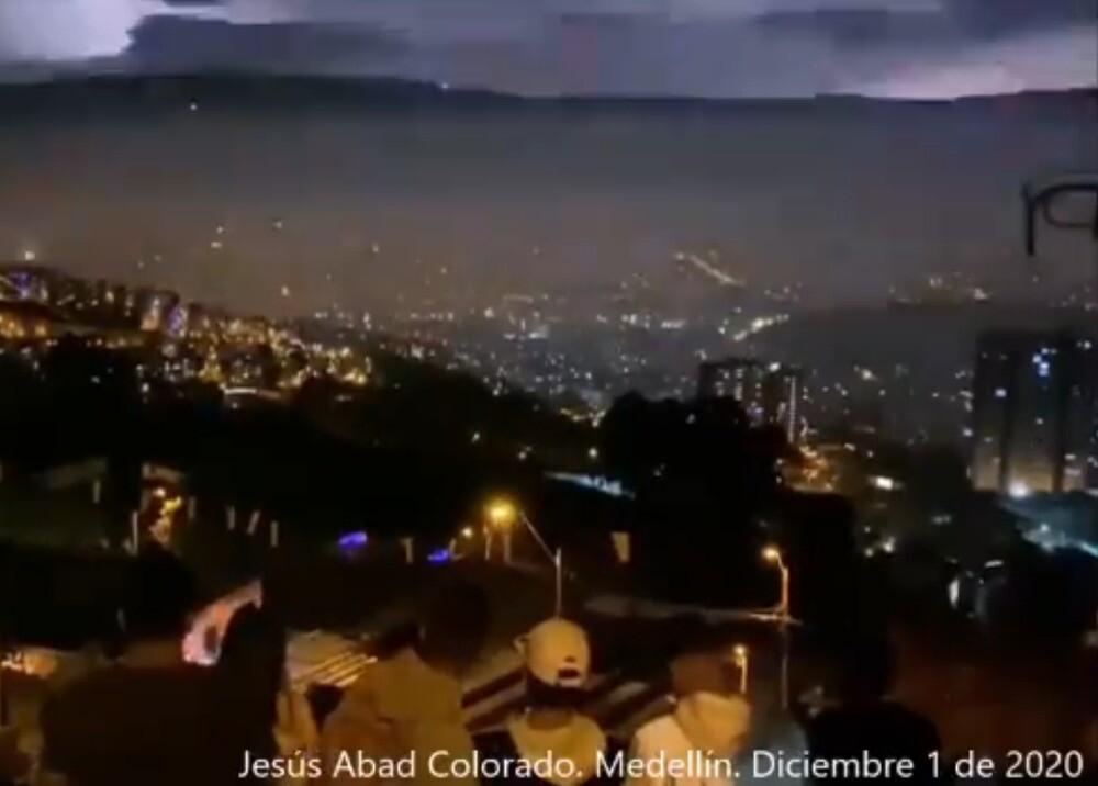 Alborada en Medellín / Foto: Twitter @AbadColorado
