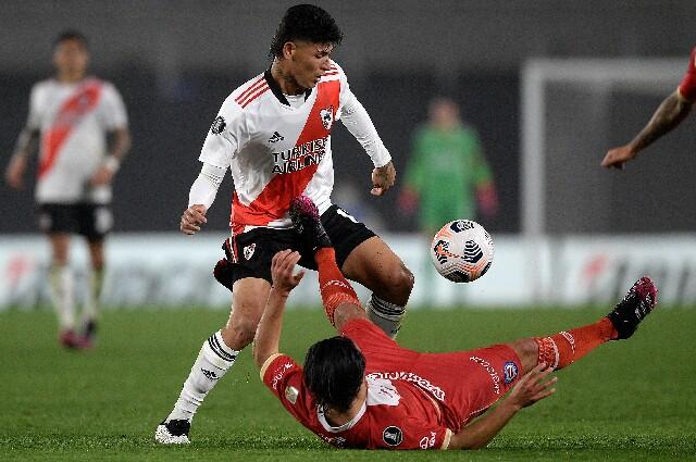 Jorge Carrascal, en River Plate vs. Argentinos Juniors