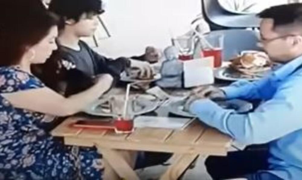Familia puso pelo en la comida para evitar pagar la cuenta (1).jpg