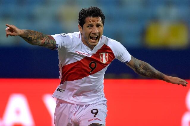 Gol de Gianluca Lapadula, contra Paraguay