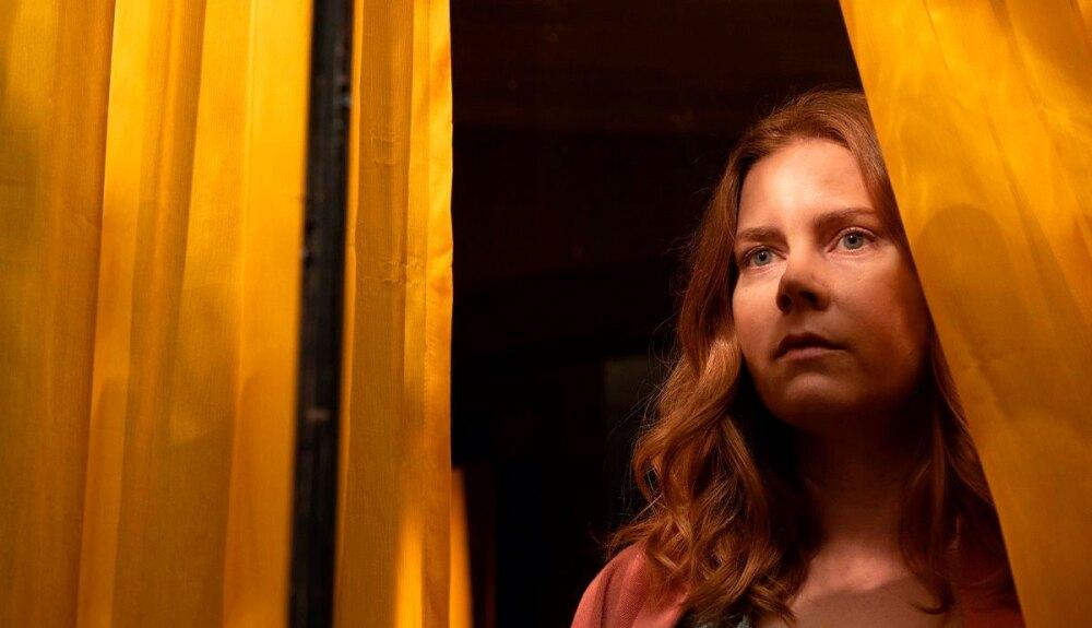 Amy-Adams-Mujer-ventana.jpg