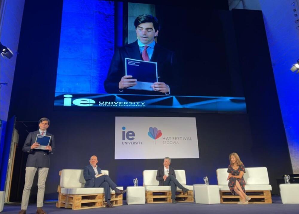 Juan Manuel Santos e Ingrid Betancourt Foto  Twitter JuanManSantos.jpg