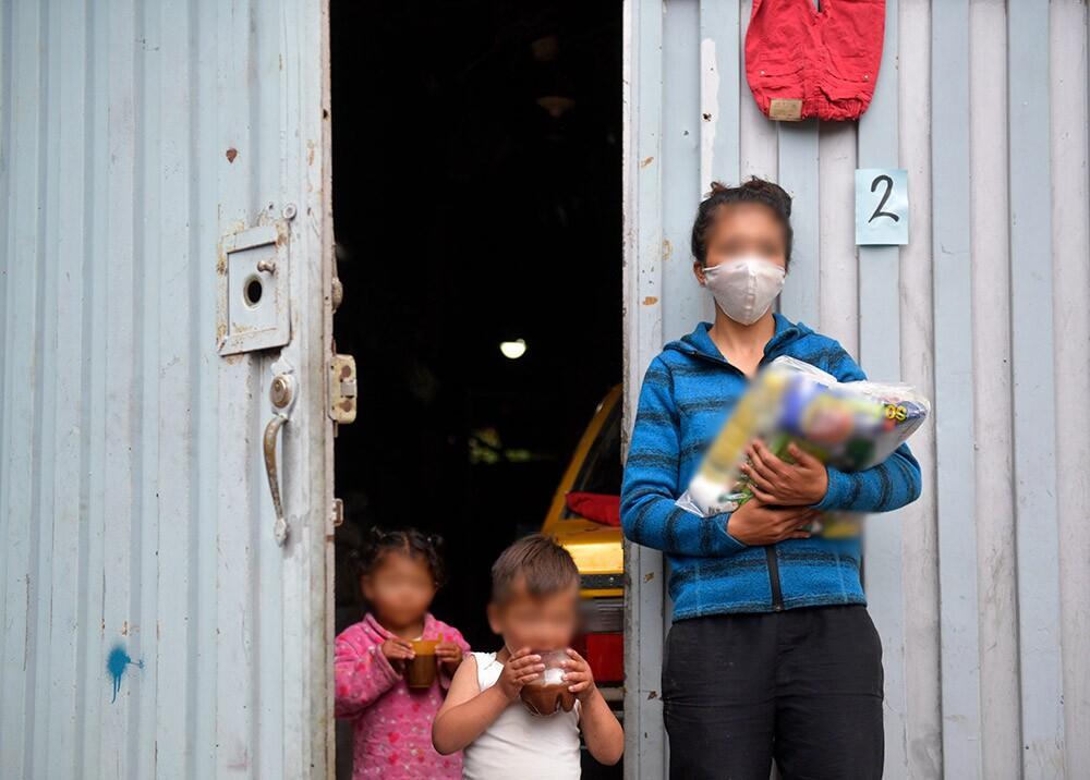 371853_Donaciones de alimentos durante la pandemia // Foto: AFP, imagen de referencia