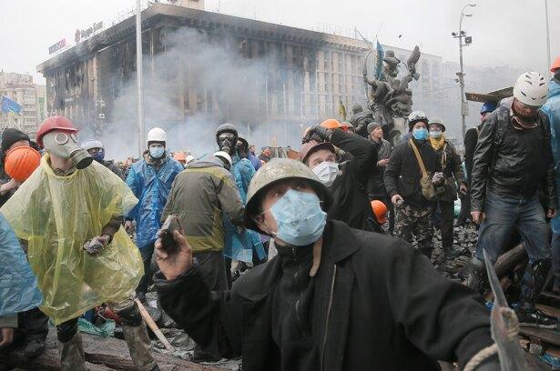 Protestas en Ucrania este jueves. Foto de AP