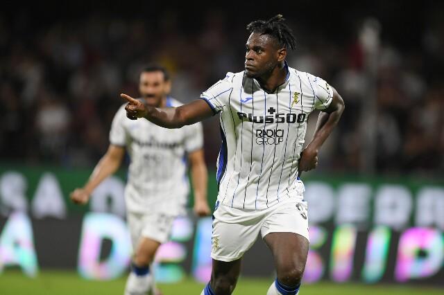 Celebración de Duván Zapata, tras su gol con Atalanta frente a Salernitana