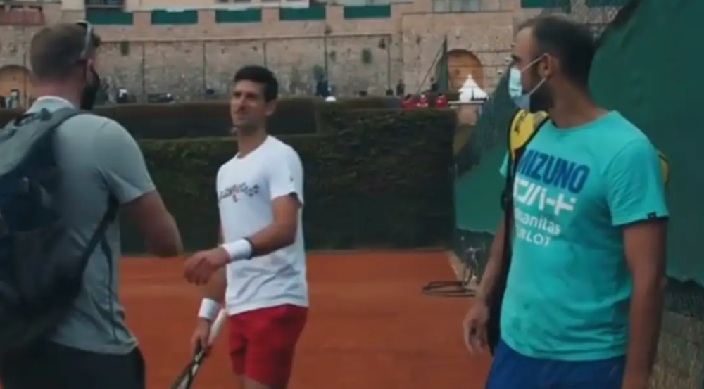 Juan Sebastián Cabal y Novak Djokovic tuvieron una charla en el Masters 1000 de Montecarlo.