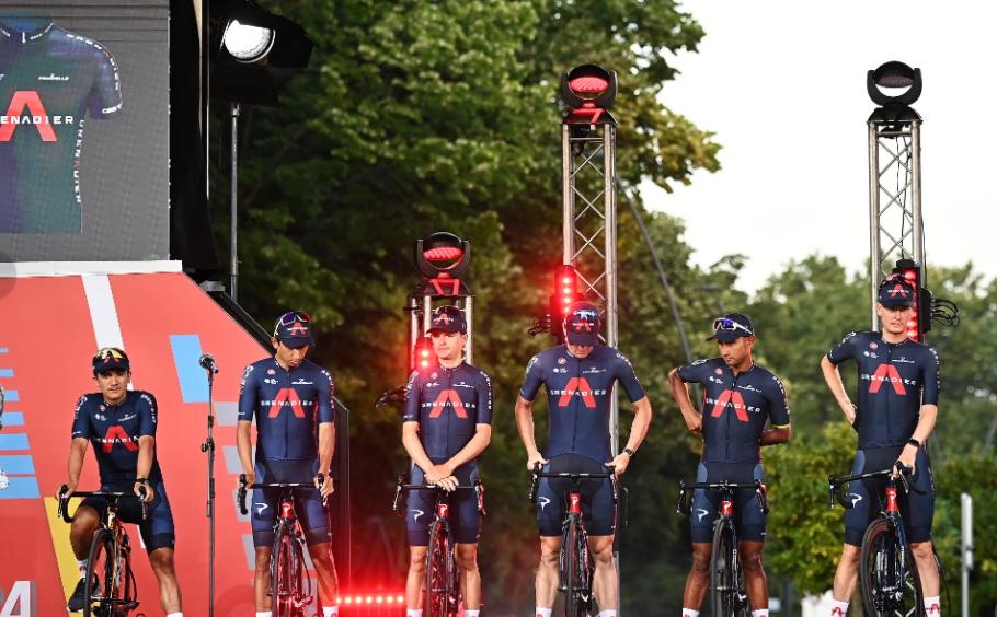 El colombiano Egan Bernal estará con el Ineos Grenadiers en la Vuelta a España 2021.