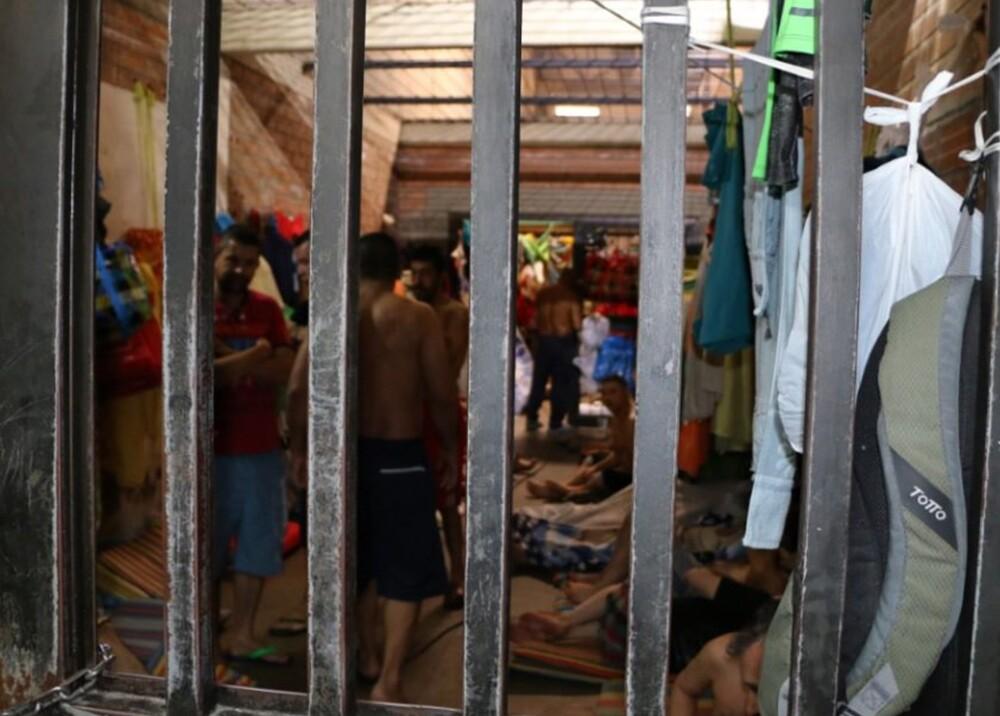 304356_Blu Radio. Hacinamiento en estaciones de Policía de Medellín / Foto: @personeriamed