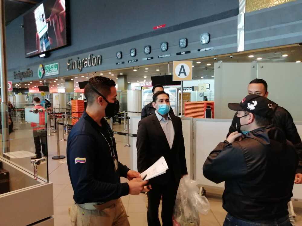 Luis Gustavo Moreno llega a Colombia tras cumplir condena en EEUU. Foto Migración Colombia 2.jpeg