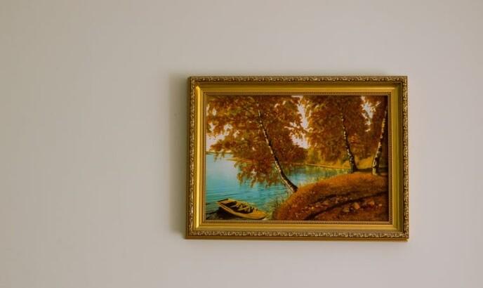 Hombre compró un cuadro en una tienda de segunda mano y descubrió que vale una fortuna.