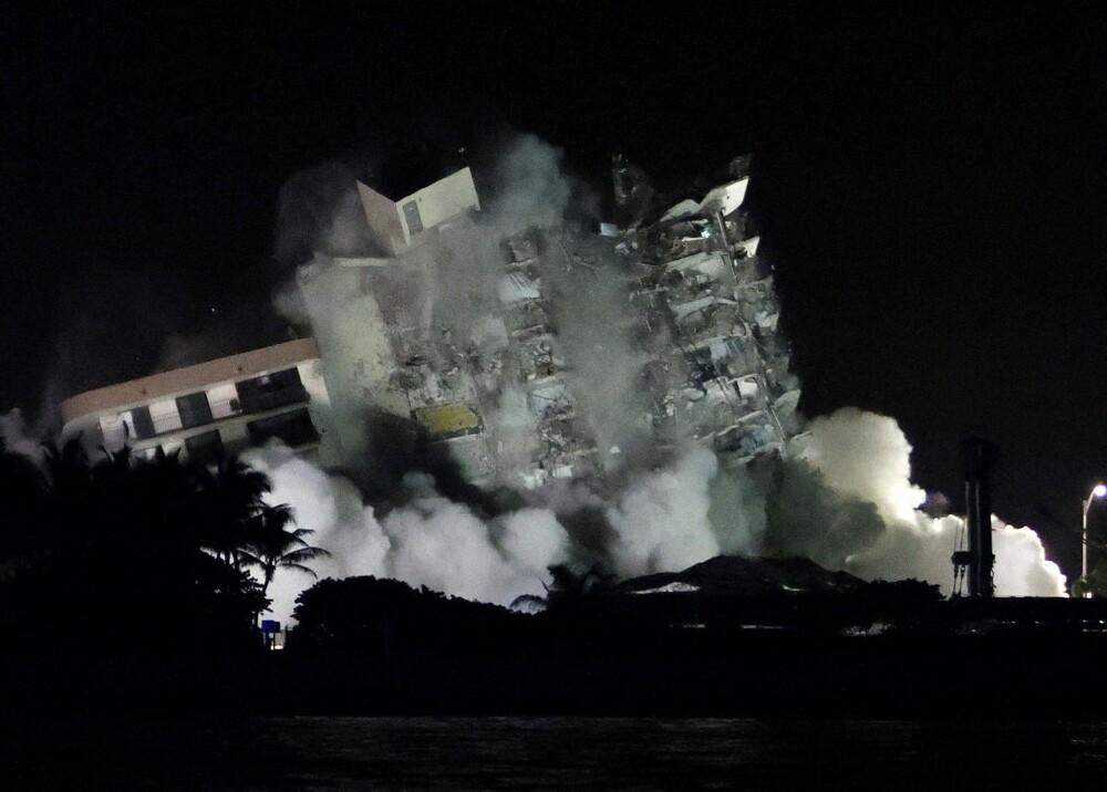 Edificio que colapsó en Miami Foto AFP (1).jpg