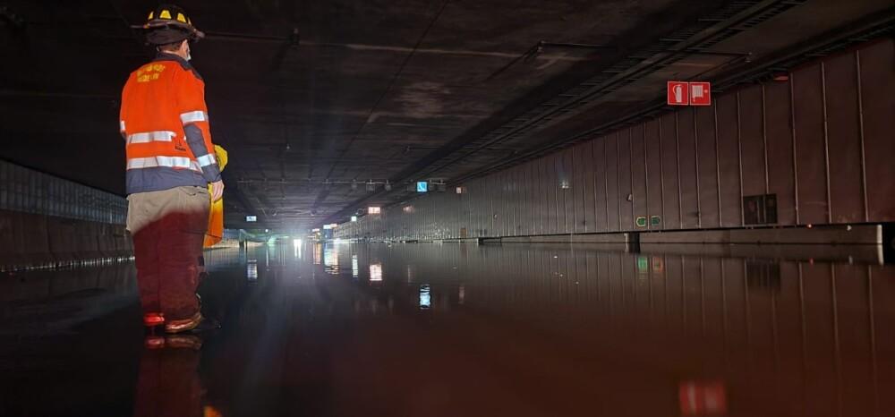 Cierre soterrado Parques del Río, Medellín, por inundaciones.jpeg