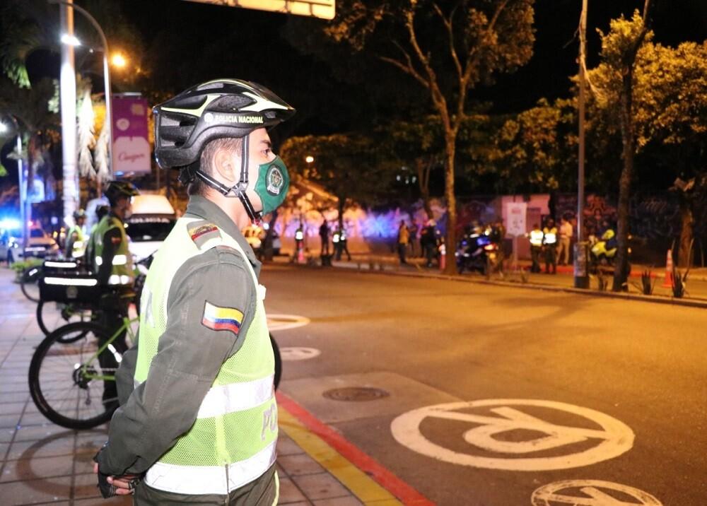 FOTO POLICIA CONTROL COVID.jpg