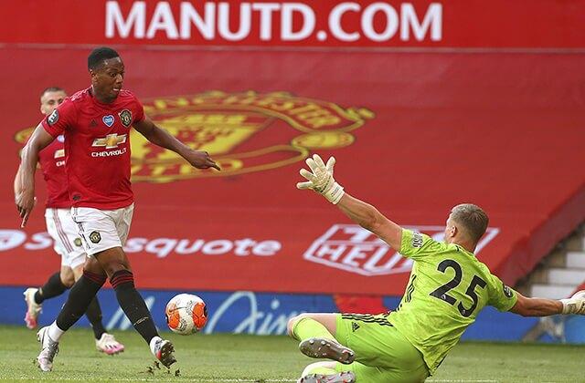 339660_Acción de juego del Manchester United vs. Sheffield United