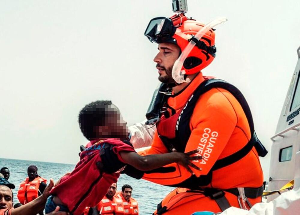 345219_Naufragio de embarcación con migrantes en Lampedusa, Italia Foto: Twitter @caritas_milano