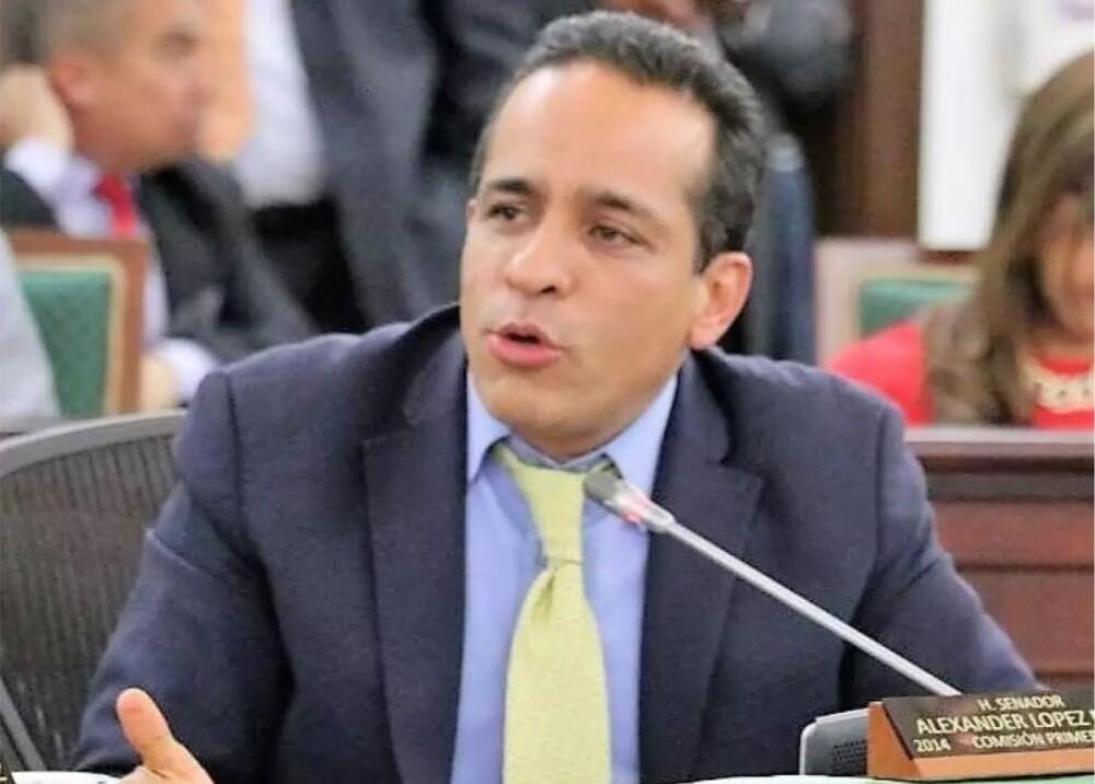 Senador por el Polo Democrático Alexander López Foto_ Facebook.jpg
