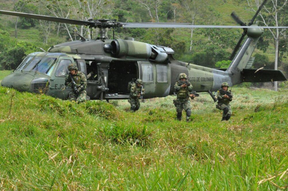 301179_BLU Radio. Ejército / Foto: Ejército