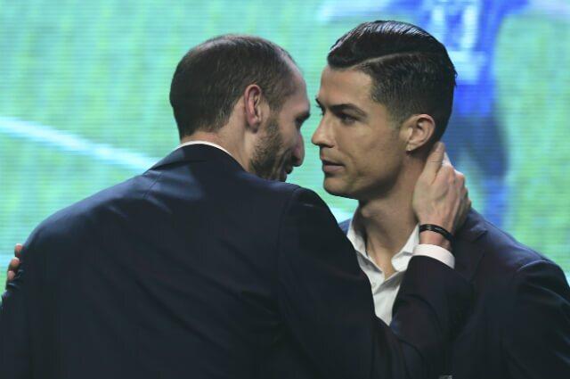 326300_Giorgio Chiellini y Cristiano Ronaldo