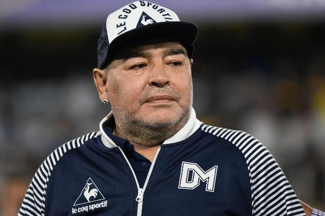 337992_Diego Maradona con Gimnasio y Esgrima de La Plata