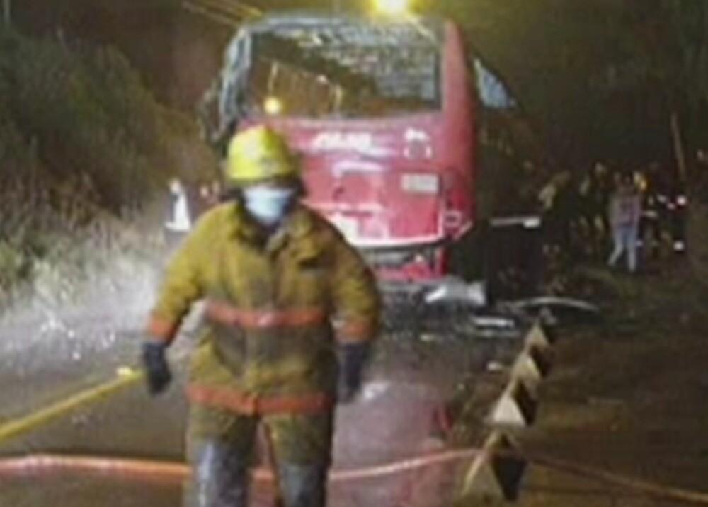 Bus incendiado en vía de Cundinamarca
