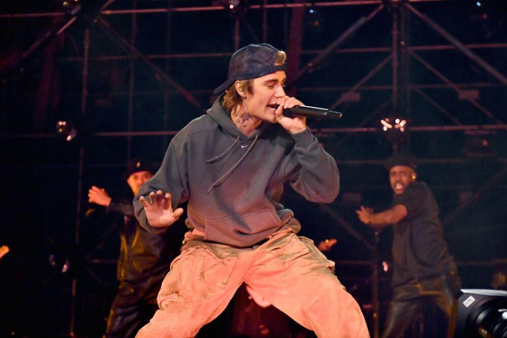 Justin Drew Bieber: compositor, músico y bailarín canadiense