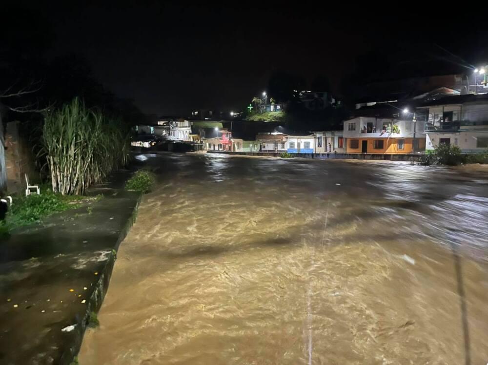 inundaciones en Cisneros.