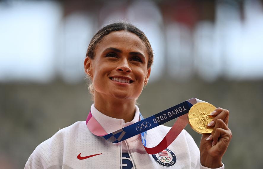 Sydney McLaughlin ganó oro en los 400 metros vallas de los Juegos Olímpicos Tokio 2020.