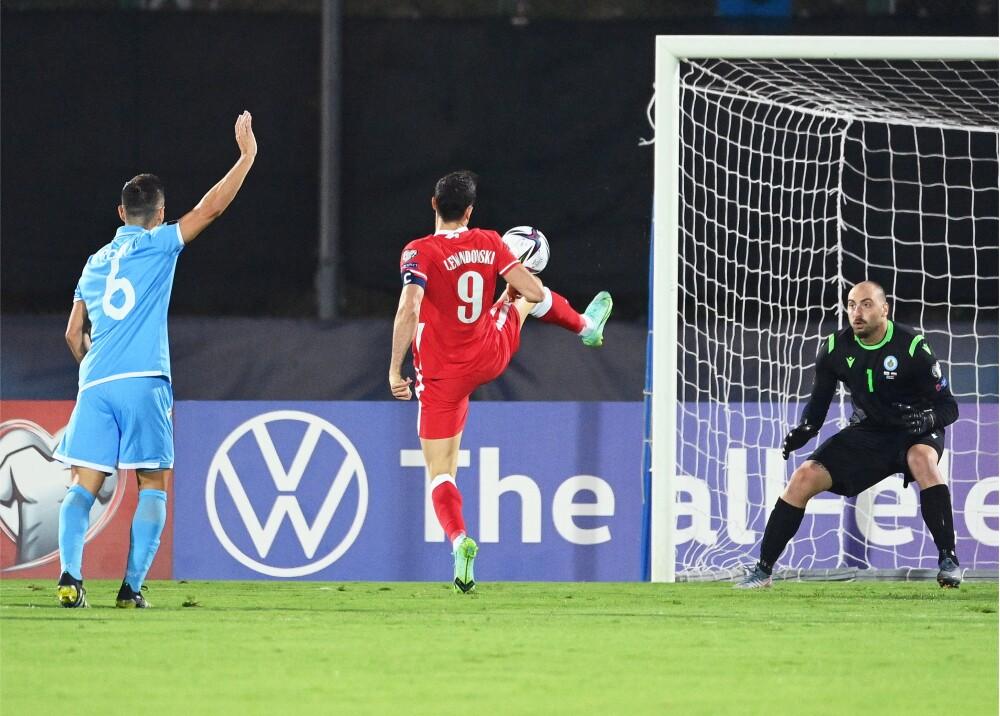 Lewandowski frente a San Marino Foto AFP.jpg