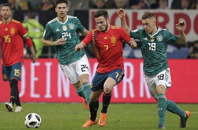 333219_Acción de juego entre España y Alemania