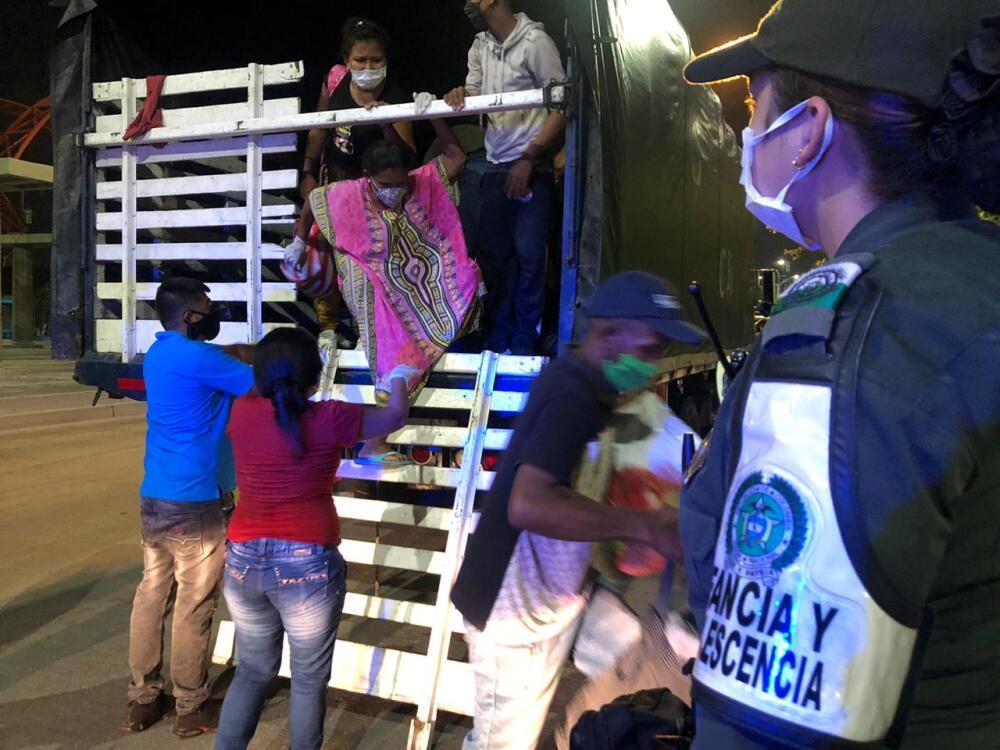 369901_BLU Radio //Los venezolanos buscaban llegar hasta Maicao // Foto: Policía