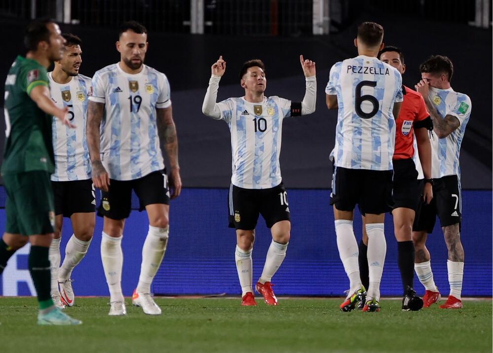Triplete de Messi en el triunfo de Argentina Foto AFP.jpg