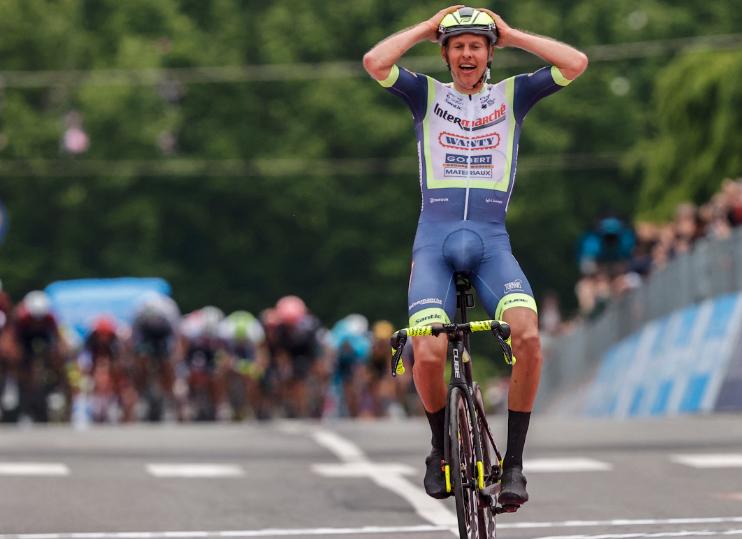 Taco Van Der Hoorn fue el ganador de la etapa 3 del Giro de Italia 2021.