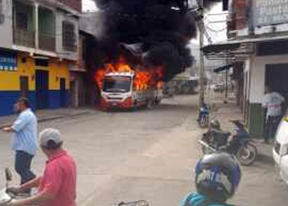 quema de bus en florida, valle.jpg